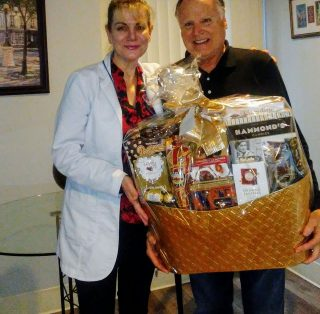 Patients Prize Winning in Dr Amy's Dental Clinic in Thousand Oaks CA